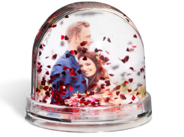 There's no need to spend £6.99 on this personalised photo snow globe from Boots...