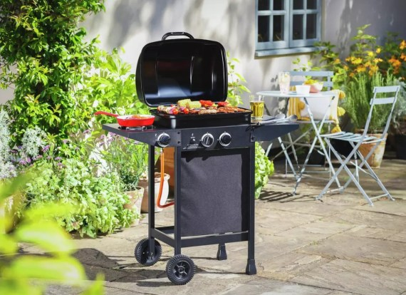 Double burner and grill compact BBQ
