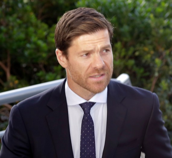 Xabi Alonso has signed a new deal to continue as Real Sociedad B boss for another year