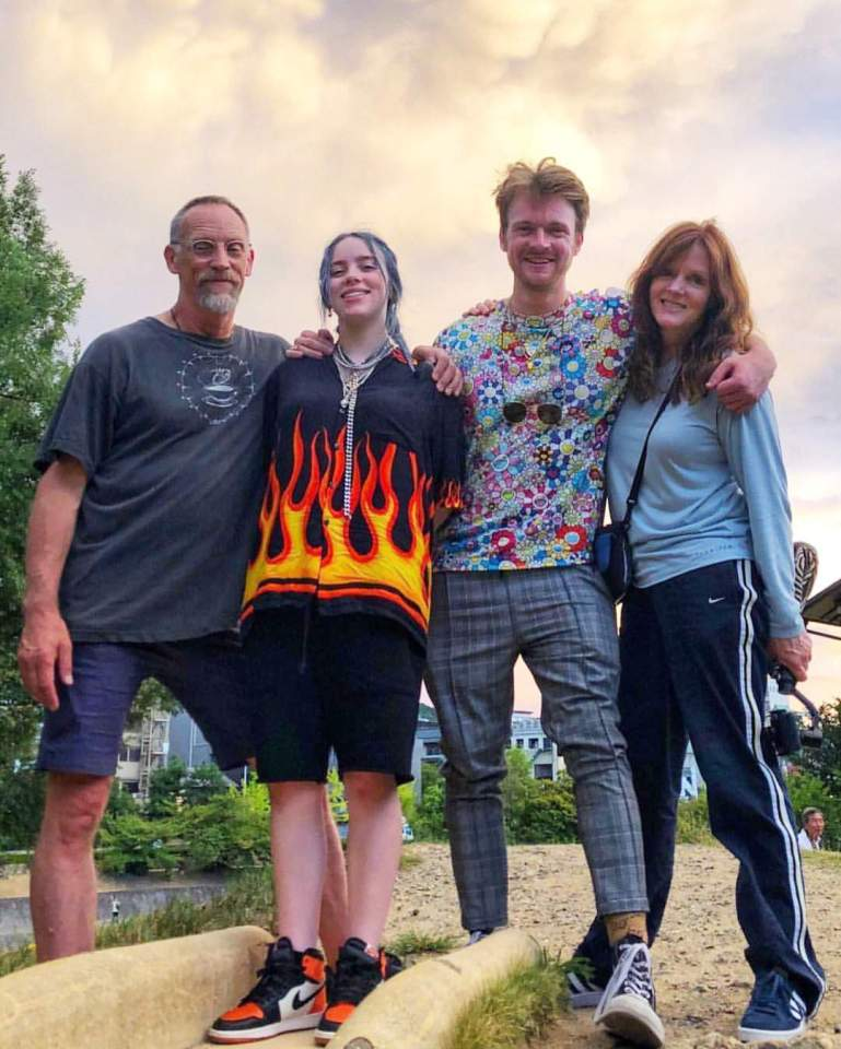 Billie with her brother Finneas, and mom and dad Maggie and Patrick