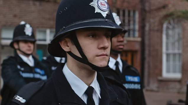 Ryan as new cop at end of series