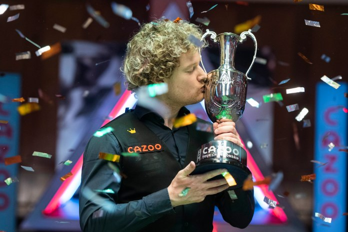 Robertson stormed to victory by winning the final six frames in a row
