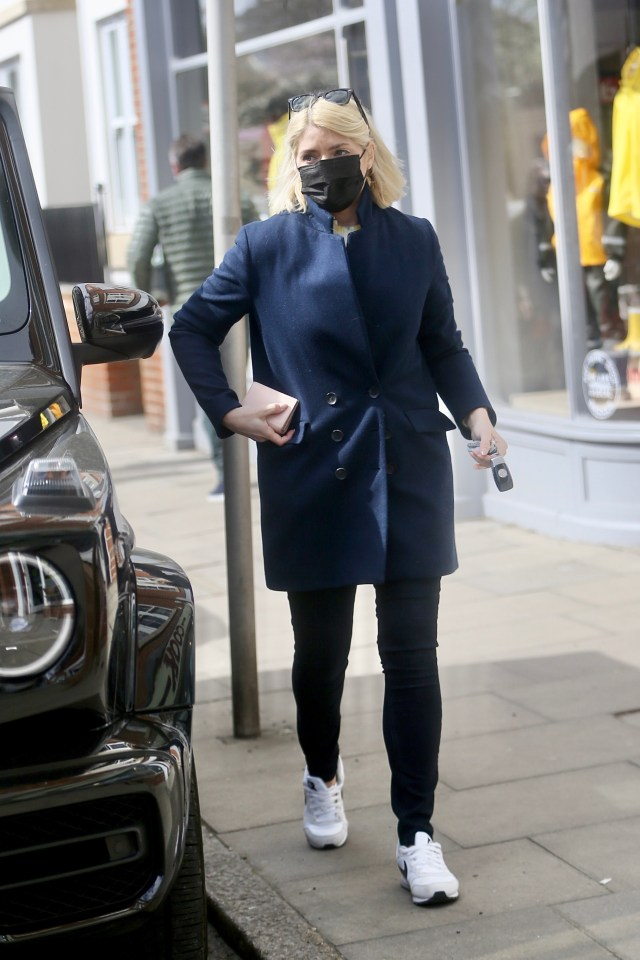 Holly Willoughby looked chic as she stepped out in London on Good Friday
