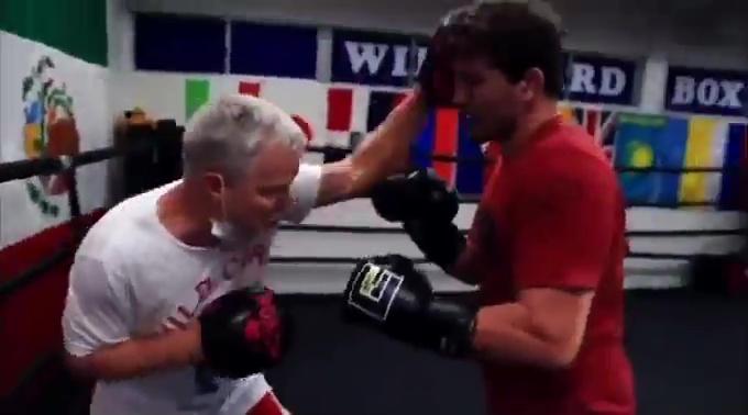 Ben Askren has been leant the help of legendary boxing trainer Freddie Roach
