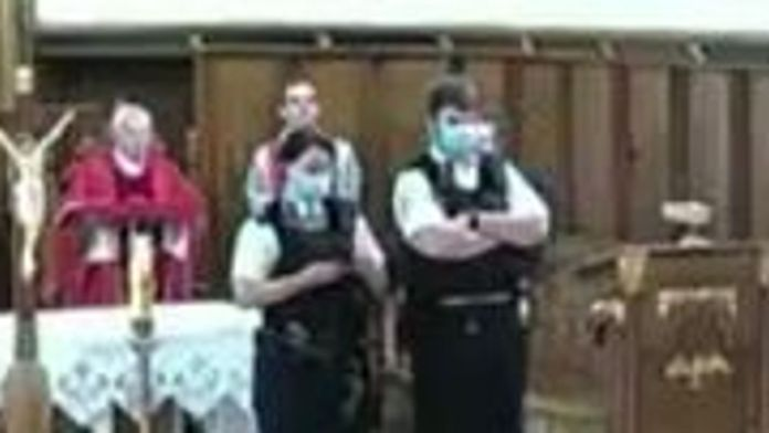 The officers told the worshippers to go home or face a fine