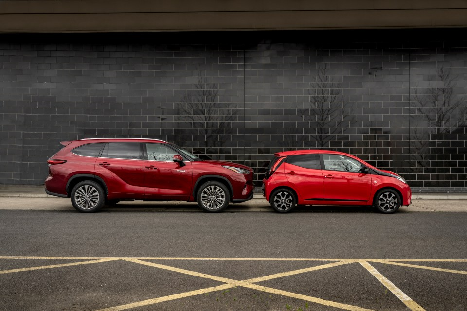 The Highlander is a whopping 4.97 metres compared to the 3.45 metres Aygo