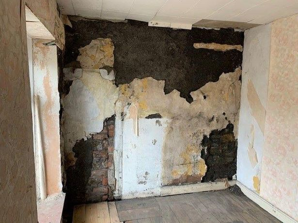 The walls need re-plastering