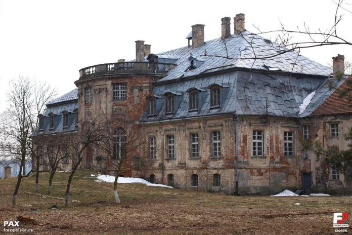 The historical palace in Minkowskie, southern Poland is thought to be a treasure trove of the Nazi's loot