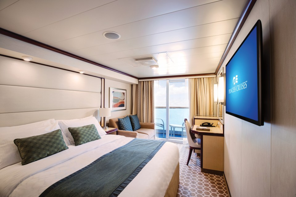 All cabins come with a balcony to enjoy sea views