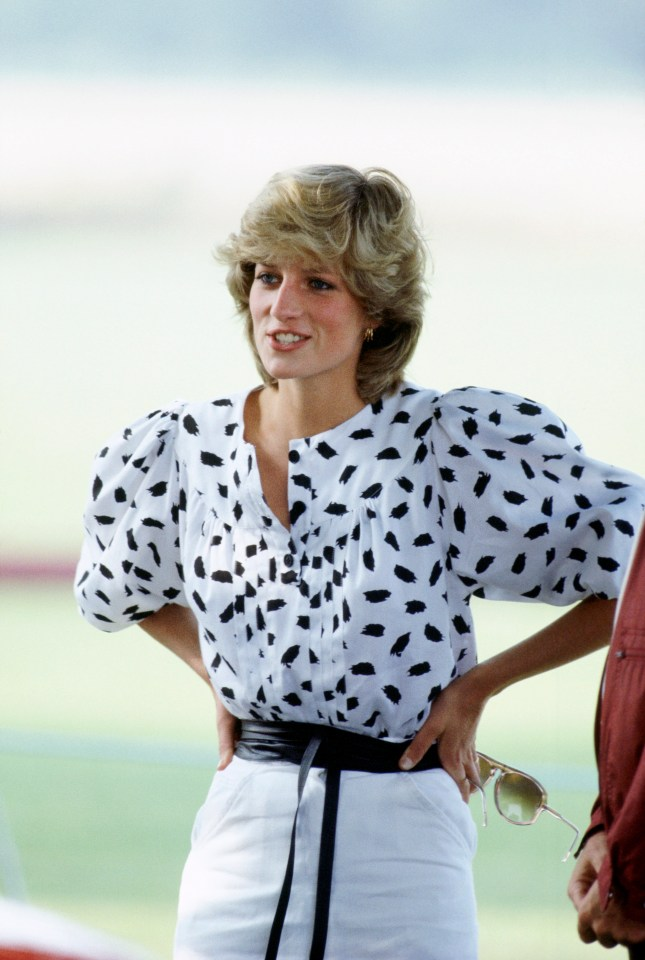 Puffed sleeves were another trend that Di started in the 1980s