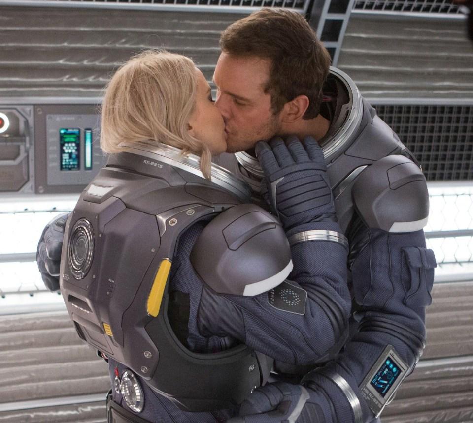 Jennifer Lawrence got 'hammered' before her sex scene with Chris Pratt in Passengers