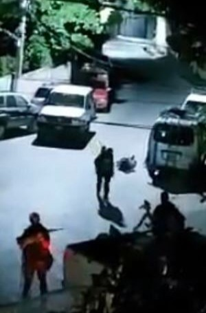 Footage circulating on Whatsapp shows gunmen with weapons in the neighbourhood of the President