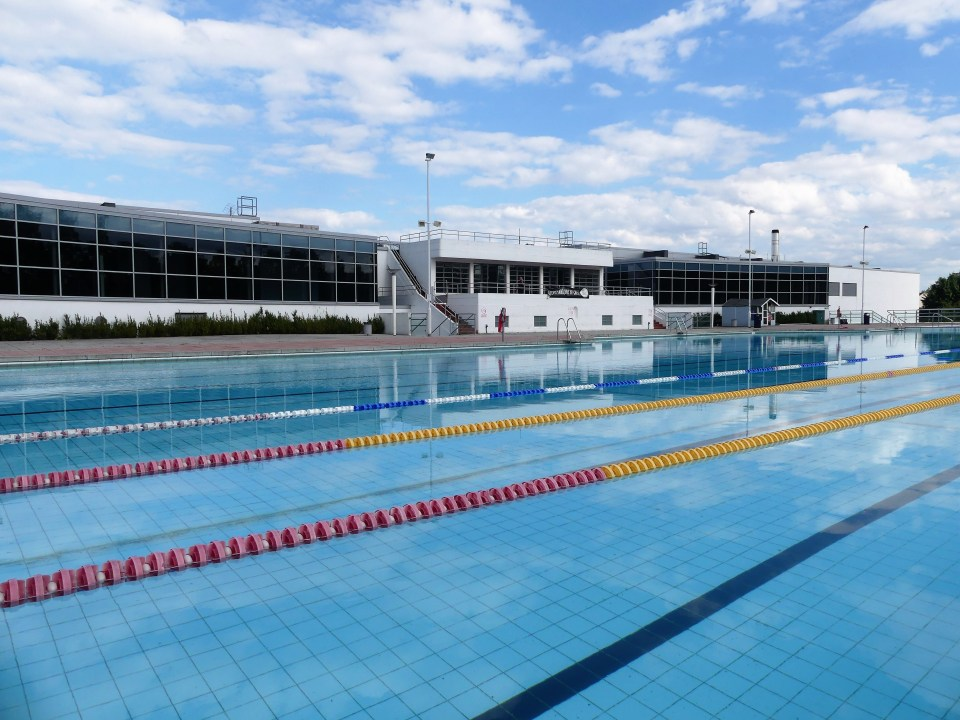Formerly called Uxbridge Lido, it is a Grade II listed outdoor swimming pool