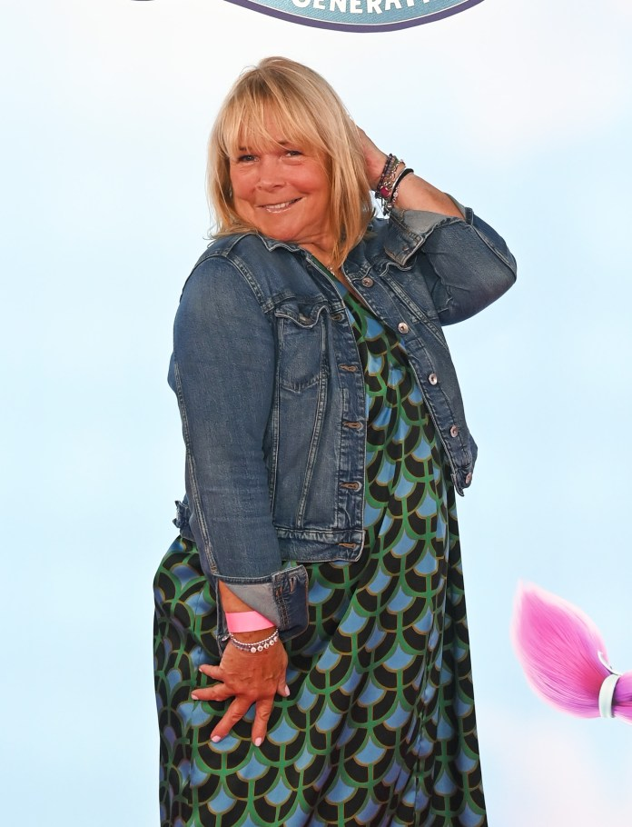 Stacey's good friend and fellow loose lady Linda can't wait for the new arrival