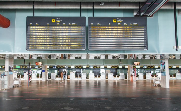 Flights halted as Spanish emergency services prepare for more explosions