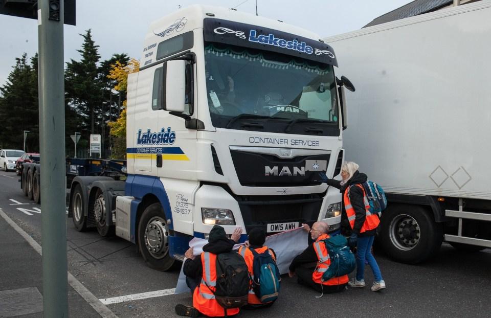 Insulate Britain were blocking the roads again