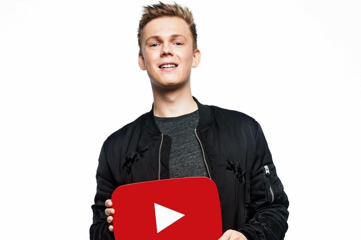 Who is Caspar Lee? BRIT Awards 2017 YouTube host, vlogger ...