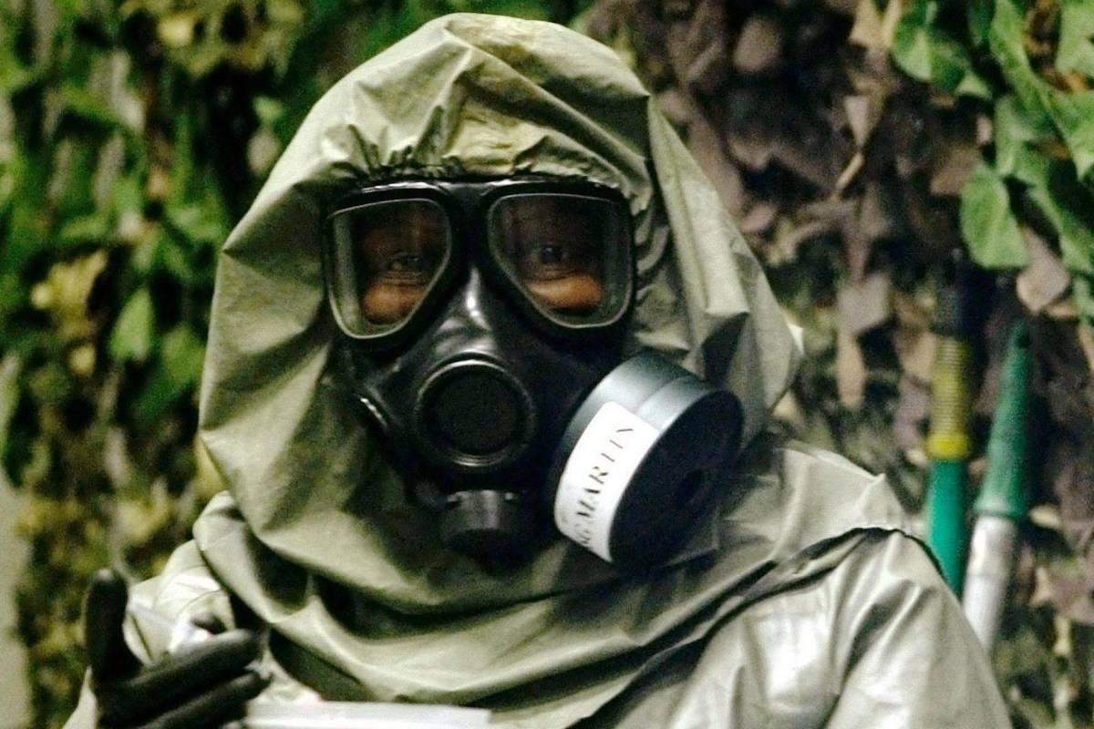 What is Novichok. was the nerve agent used in the Salisbury and Amesbury poisoning. who are the Russian suspects and how is exposure to it treated?