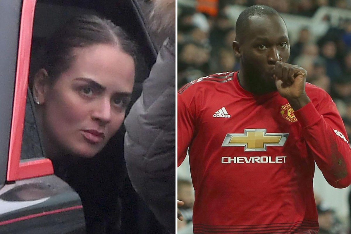 He subsequently signed with manchester united in a transfer worth £75 million (€88 million), but after a breakdown in relations with the club, lukaku departed. Romelu Lukaku welcomes son Romeo after missing Man Utd