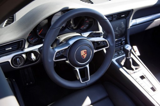 2016 Porsche 911 interior