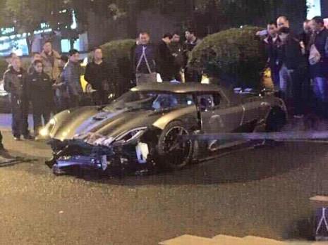 Koenigsegg Agera R Crashes in China
