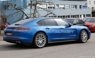 2017 Porsche Panamera Prototype spy shots-4