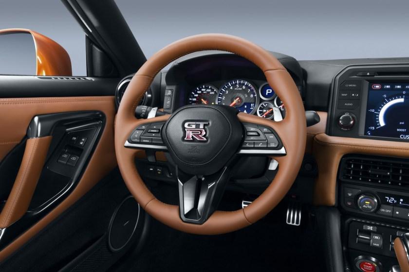 2017 Nissan GT-R Facelift- 2016 NY Auto Show-9