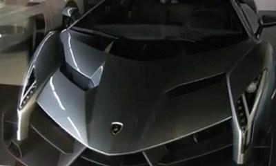 Lamborghini Veneno for sale- Red