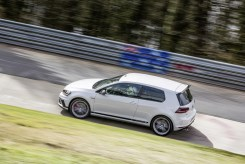 VW Golf GTI Clubsport S- FWD Nurburgring Record-7