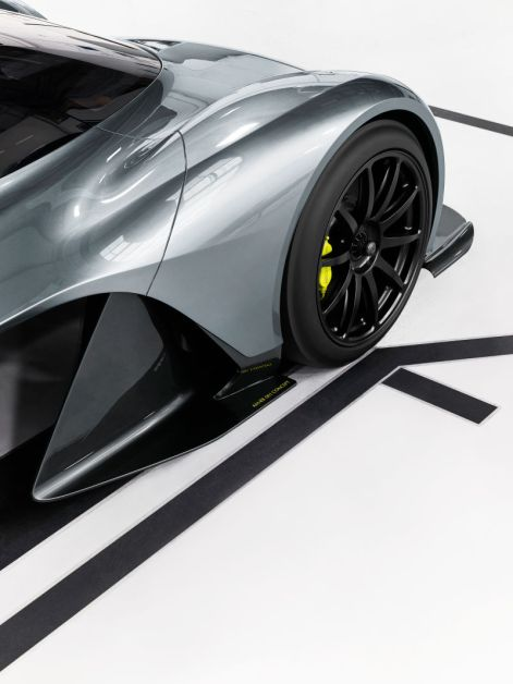 Aston Martin AM-RB 001 Concept-8