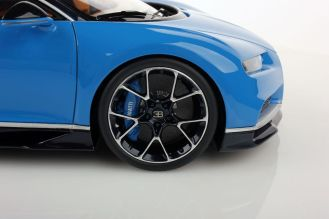 Bugatti Chiron scale model-MR Collector Models-5