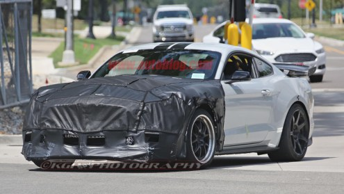 Ford Shelby Mustang GT500 spy shots-1