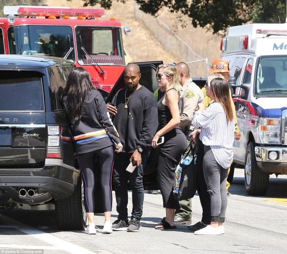 Kylie, Khloe Kardashian, Kanye West at the scene of Kris Jenner's crash