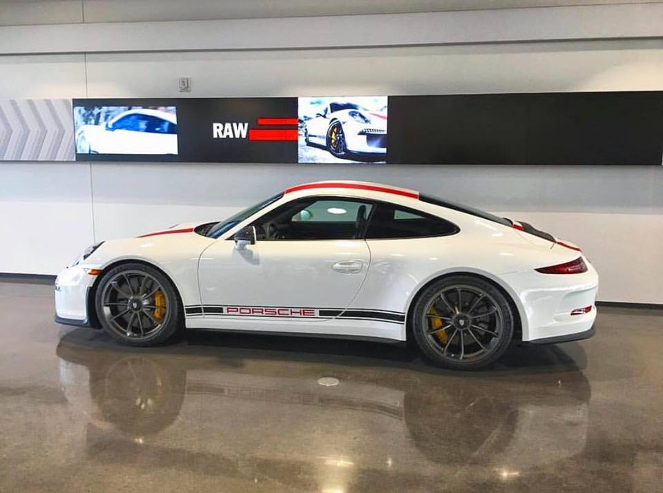 salomondrins-porsche-911-r-arrives-in-los-angeles-3