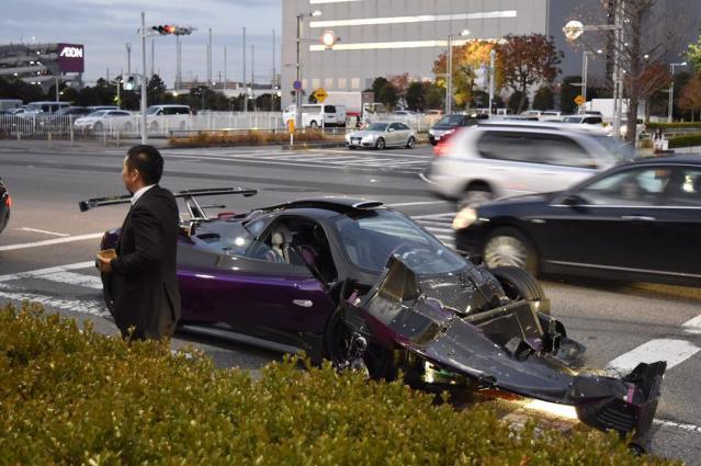 pagani-zonda-zozo-crashed-in-japan-1