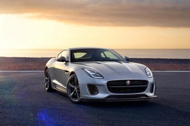 2017-Jaguar-F-Type-400-Sport-13