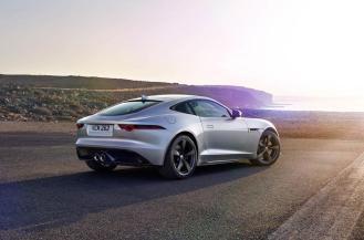 2017-Jaguar-F-Type-400-Sport-14