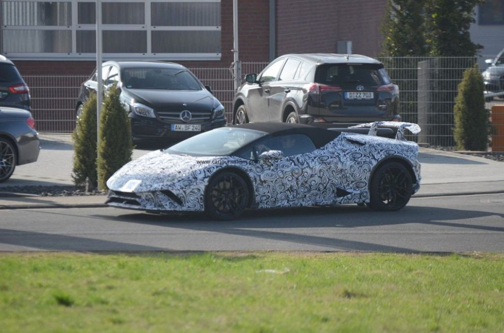 Lamborghini Huracan Performante Spyder-spy shots-Nurburgring-4