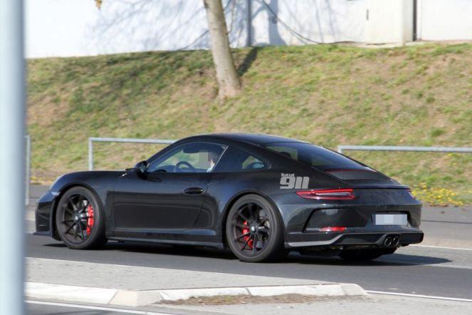 2017 Porsche 911 Sport Classic spy shots-2