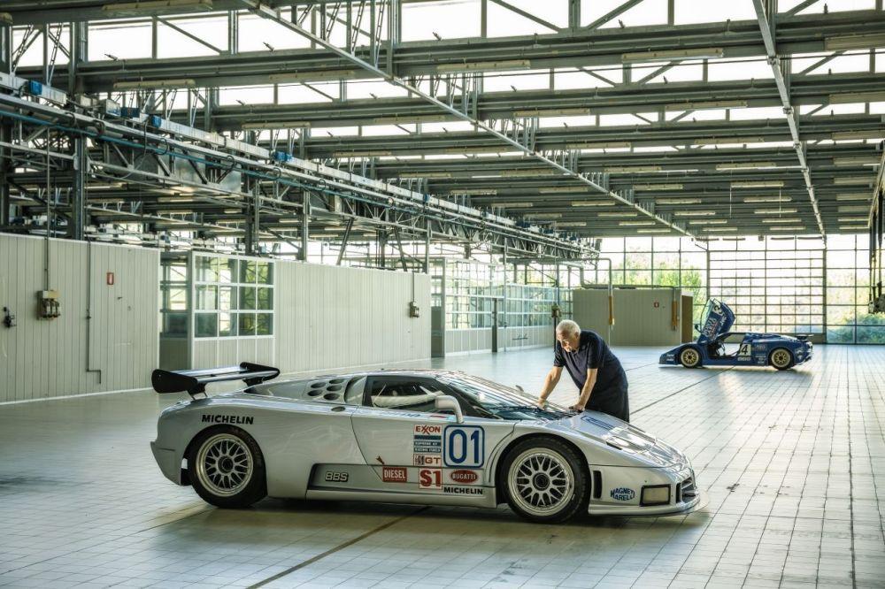 Romano Artioli-Bugatti EB110-2