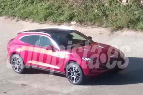 2020 Aston Martin DBX-leaked-spy-images-3