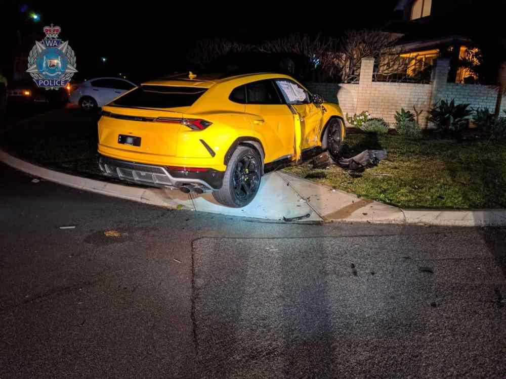 Yellow-Lamborghini-Urus-Crash-Perth-Australia-2