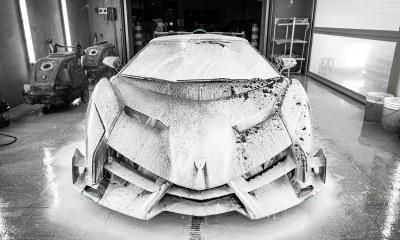 Lamborghini Veneno Roadster-Topaz