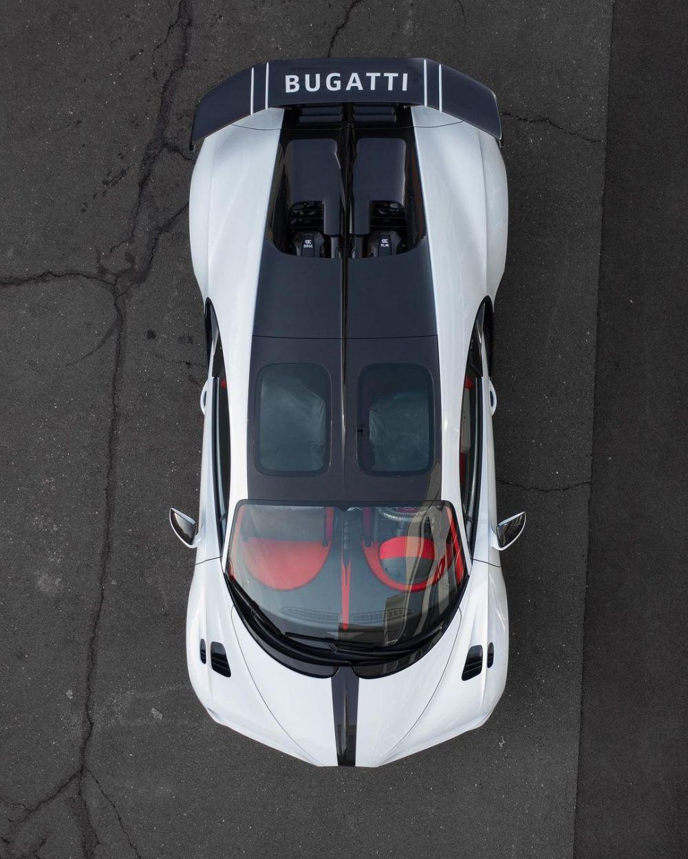 Quartz White Bugatti Chiron Pur Sport-Sparky18888-4