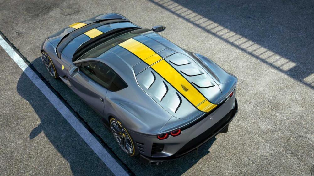 Ferrari 812 Competizione-3