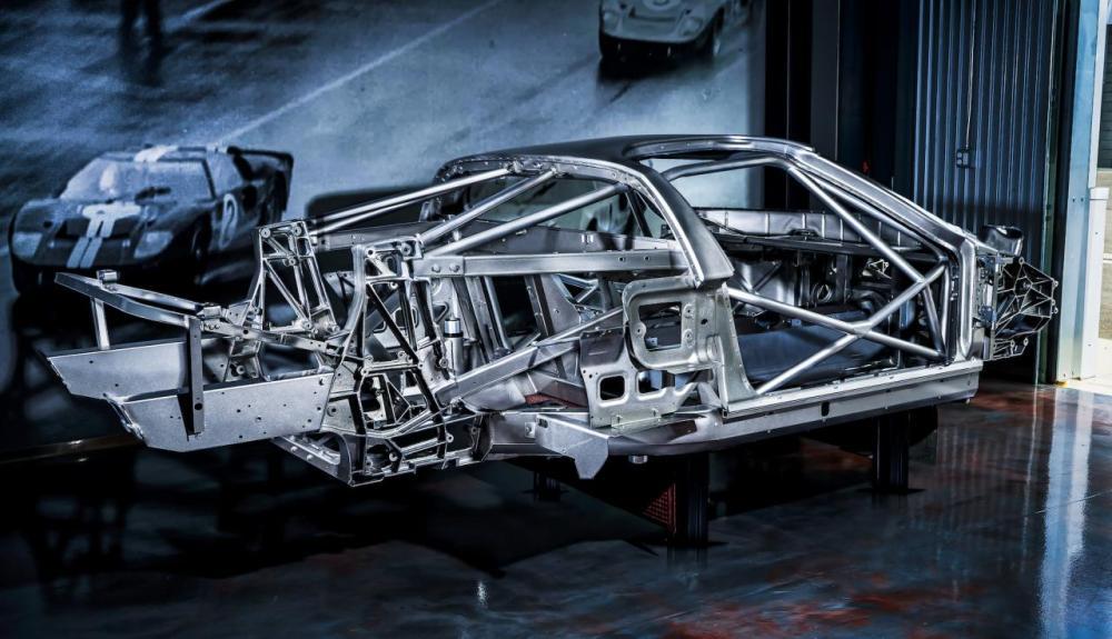Ford GT GT1 track-car-1