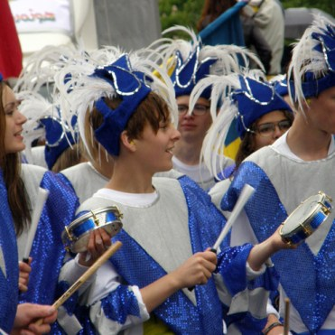 Hammarkullen Carnival: Blue & white samba orchestra