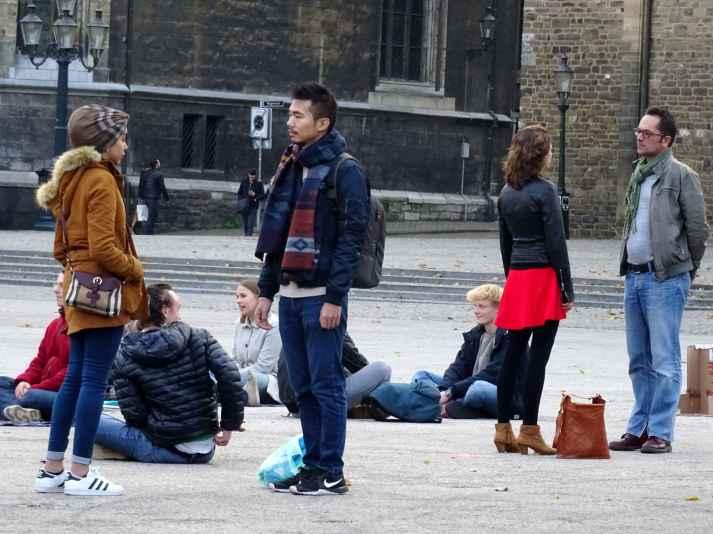 Eye contact in Maastricht 2