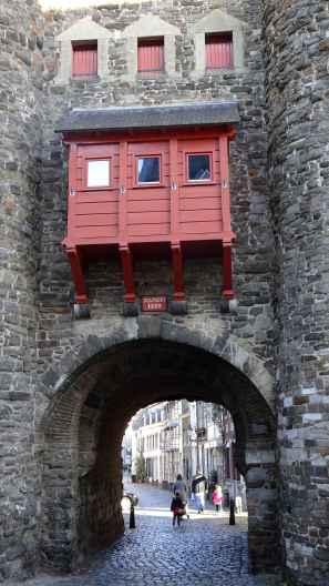 Maastricht: Through the Helpoort 1229