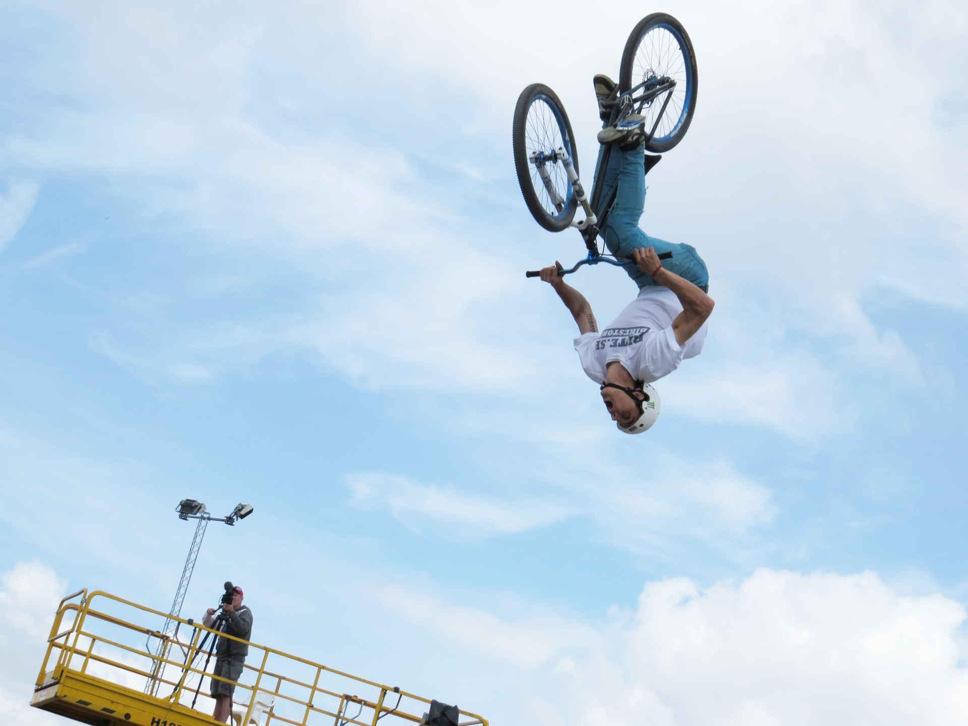 Bicycle jump